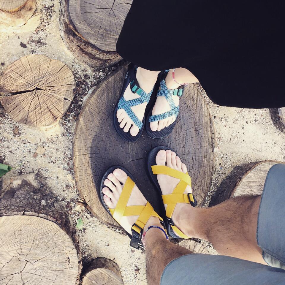 Chaco涼鞋用上古羅馬戰士鞋般的雙織帶竹籃式織法,比傳統運動涼鞋優雅,鞋底厚又防滑。