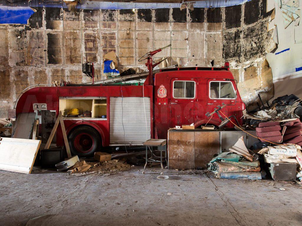 八十年代火燭車竟被棄在廢墟?
